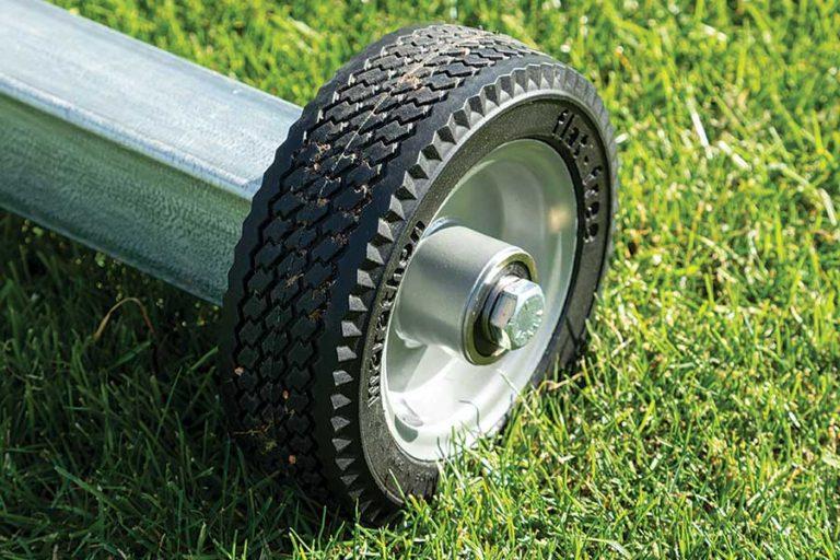 SCREENS_wheelkit-closeup1_135-100-440