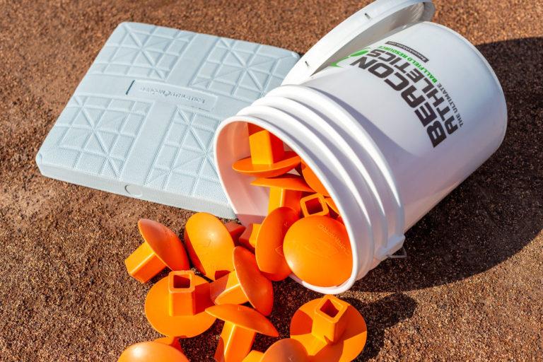 301-100-020 Orange plug bucket